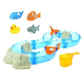 Wasserbahn Mit Vier Figuren